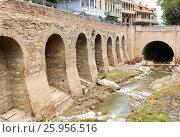 River in Abanotubani district in the Old Town of Tbilisi. Georgia (2016 год). Стоковое фото, фотограф Elena Odareeva / Фотобанк Лори