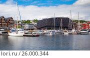 Купить «View of a marina in Tromso, North Norway Timelapse», видеоролик № 26000344, снято 14 октября 2016 г. (c) Андрей Армягов / Фотобанк Лори
