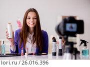 Beauty fashion blogger recording video for blog. Стоковое фото, фотограф Elnur / Фотобанк Лори