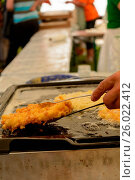 Frische Kreiskrapfen werden zubereitet besondere Pfannkuchen. Стоковое фото, фотограф Zoonar/Alfred Hofer / easy Fotostock / Фотобанк Лори