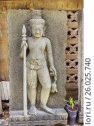 Купить «Скульптурное изображение тайского божества на улице Бангкока», фото № 26025740, снято 20 февраля 2015 г. (c) Александр Романов / Фотобанк Лори