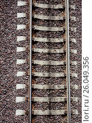 Крупный план железной дороги, вид сверху (2016 год). Редакционное фото, фотограф Виталий Федоров / Фотобанк Лори
