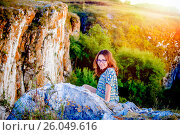 Купить «Девушка в горах», фото № 26049616, снято 14 августа 2016 г. (c) Хайрятдинов Ринат / Фотобанк Лори