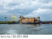 Земснаряд по добыче песочно гравийной смеси, фото № 26051468, снято 9 июля 2010 г. (c) Геннадий Соловьев / Фотобанк Лори