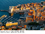 View from the top of Mount Srdj on Revelin Fortress, City Harbor and Fort St. John in the fortress in Dubrovnik, Croatia. Стоковое фото, фотограф Андрей Орехов / Фотобанк Лори