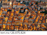 View from above on red tile on the roofs of houses in the old town in Dubrovnik, Croatia. Стоковое фото, фотограф Андрей Орехов / Фотобанк Лори