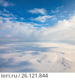 Облака над зимней тундрой, вид сверху, фото № 26121844, снято 29 марта 2017 г. (c) Владимир Мельников / Фотобанк Лори