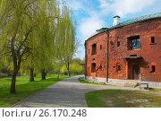 Купить «Брестская крепость. Полубашня казармы», фото № 26170248, снято 21 апреля 2017 г. (c) Дмитрий Грушин / Фотобанк Лори