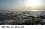 Rapid flow of melt water. Стоковое видео, видеограф Станислав Сергеев / Фотобанк Лори