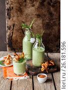Купить «Chilled Cucumber Soup with Prawns», фото № 26181596, снято 28 апреля 2017 г. (c) Татьяна Ворона / Фотобанк Лори