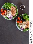 Купить «Quinoa and Chicken Buddha Bowl», фото № 26189944, снято 5 мая 2017 г. (c) Татьяна Ворона / Фотобанк Лори