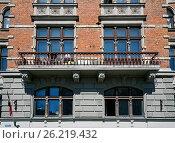 Купить «Riga, Elizabetes 7, decorative elements of the facade», фото № 26219432, снято 4 мая 2017 г. (c) Andrejs Vareniks / Фотобанк Лори