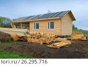Строительство дачного дома (2017 год). Редакционное фото, фотограф Зобков Юрий / Фотобанк Лори