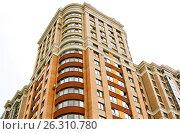 Купить «Close view on residental building», фото № 26310780, снято 9 июля 2016 г. (c) Илья Малов / Фотобанк Лори