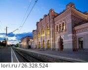 Купить «Rizhsky railway station (Rizhsky vokzal, Riga station) is one of the nine main railway stations in Moscow, Russia. It was built in 1901», фото № 26328524, снято 10 июня 2015 г. (c) Владимир Журавлев / Фотобанк Лори
