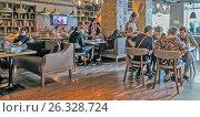 Купить «Интерьер хинкальни на улице Мытной, 1с1, Москва», эксклюзивное фото № 26328724, снято 14 мая 2017 г. (c) Виктор Тараканов / Фотобанк Лори