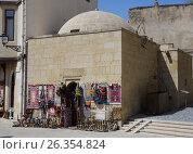 Купить «Ancient Mosque-Madrasah in Icheri sheher (Old Town) of Baku», фото № 26354824, снято 25 апреля 2017 г. (c) Аркадий Захаров / Фотобанк Лори