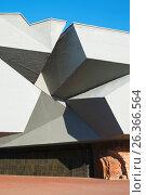 Купить «Брестская крепость. Главный вход», фото № 26366564, снято 20 апреля 2017 г. (c) Дмитрий Грушин / Фотобанк Лори