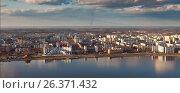Купить «Вид сверху на город Нижневартовск и реку Обь», фото № 26371432, снято 20 мая 2017 г. (c) Владимир Мельников / Фотобанк Лори