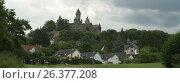 Замок в городке Браунфельс. Германия (2013 год). Стоковое фото, фотограф Юрий Леденцов / Фотобанк Лори