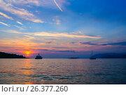 Купить «Вечер дня и закат Солнца на Адриатическом море. Хорватия», фото № 26377260, снято 3 сентября 2016 г. (c) Устенко Владимир Александрович / Фотобанк Лори