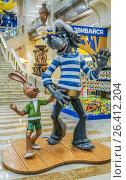 """Купить «Интерьер магазина  """"Детский Мир"""" в здании Военторга в центре Москвы на улице Воздвиженка, дом 10», эксклюзивное фото № 26412204, снято 24 мая 2017 г. (c) Виктор Тараканов / Фотобанк Лори"""