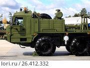 Forepart of heavy military truck (2016 год). Редакционное фото, фотограф Владимир Приземлин / Фотобанк Лори