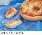 Купить «Carols cheesecake with cottage cheese», фото № 26419956, снято 10 мая 2017 г. (c) Ольга Сергеева / Фотобанк Лори