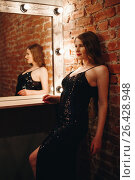 Seductive sexy model posing in loft interior. Стоковое фото, фотограф Дарья Зуйкова / Фотобанк Лори