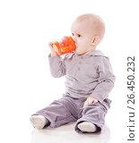 Купить «Toddler boy drinking», фото № 26450232, снято 5 марта 2010 г. (c) Ольга Сапегина / Фотобанк Лори