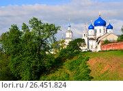 Купить «Monastery in the village of Bogolyubovo, Russia», фото № 26451824, снято 18 мая 2013 г. (c) Анна Мартынова / Фотобанк Лори