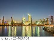Купить «Night view of sea port in Baku Azerbaijan», фото № 26463104, снято 10 июля 2015 г. (c) Elnur / Фотобанк Лори