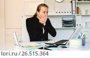 Купить «Young female having lot of work in the office», видеоролик № 26515364, снято 29 апреля 2017 г. (c) Яков Филимонов / Фотобанк Лори