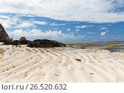 rocks on seychelles island beach in indian ocean (2017 год). Стоковое фото, фотограф Syda Productions / Фотобанк Лори