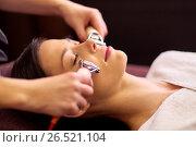 Купить «woman having hydradermie facial treatment in spa», фото № 26521104, снято 26 января 2017 г. (c) Syda Productions / Фотобанк Лори