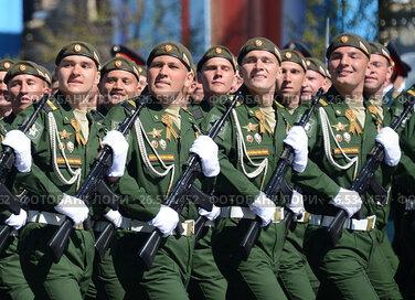 Военнослужащие 38-й отдельной железнодорожной бригады на генеральной репетиции парада на Красной площади в честь Дня Победы