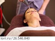 Купить «woman having hydradermie facial treatment in spa», фото № 26546840, снято 26 января 2017 г. (c) Syda Productions / Фотобанк Лори