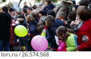 Купить «Children meeting of Three Kings in port of Barcelona. Barcelona», видеоролик № 26574568, снято 5 января 2017 г. (c) Яков Филимонов / Фотобанк Лори