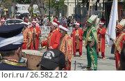 Купить «ISTANBUL, TURKEY, JUNE 3 2017: Street performance by National theater group», видеоролик № 26582212, снято 3 июня 2017 г. (c) Илья Насакин / Фотобанк Лори