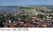 Купить «Вид на город Таллин на берегу Финского залива. Старый город и морской порт. Эстония», видеоролик № 26597656, снято 29 июня 2017 г. (c) Кекяляйнен Андрей / Фотобанк Лори