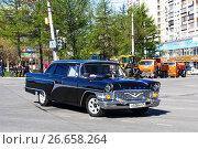 Купить «GAZ 13 Chaika», фото № 26658264, снято 9 мая 2017 г. (c) Art Konovalov / Фотобанк Лори
