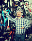 Man in helmet chooses convenient bike, фото № 26662148, снято 18 июля 2017 г. (c) Яков Филимонов / Фотобанк Лори