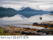 Норвежский фьорд ранним утром, фото № 26677876, снято 15 августа 2011 г. (c) Юлия Бабкина / Фотобанк Лори
