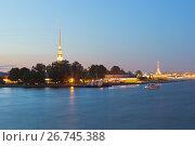 Петропавловская крепость летней ночью в Санкт-Петербурге, фото № 26745388, снято 18 июня 2017 г. (c) Николай Мухорин / Фотобанк Лори