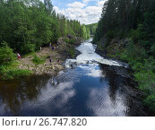 Водопад Кивач в Карелии (2017 год). Редакционное фото, фотограф Кекяляйнен Андрей / Фотобанк Лори