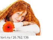 Купить «Woman with gerbera», фото № 26762136, снято 7 апреля 2008 г. (c) Ольга Сапегина / Фотобанк Лори