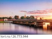 Купить «Санкт-Петербург. Иоанновский мост», фото № 26773944, снято 9 июля 2017 г. (c) Baturina Yuliya / Фотобанк Лори