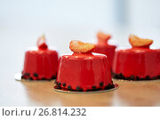 Купить «strawberry mirror glaze cakes at pastry shop», фото № 26814232, снято 8 мая 2017 г. (c) Syda Productions / Фотобанк Лори