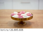 Купить «zephyr or marshmallow on cake stand», фото № 26885608, снято 8 мая 2017 г. (c) Syda Productions / Фотобанк Лори