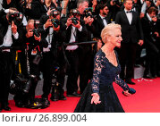 Купить «The red carpet arrivals for the screening of 'La Fille Inconnue' during the 69th Cannes Film Festival Featuring: Dame Helen Mirren Where: Cannes, France When: 18 May 2016 Credit: WENN.com», фото № 26899004, снято 18 мая 2016 г. (c) age Fotostock / Фотобанк Лори